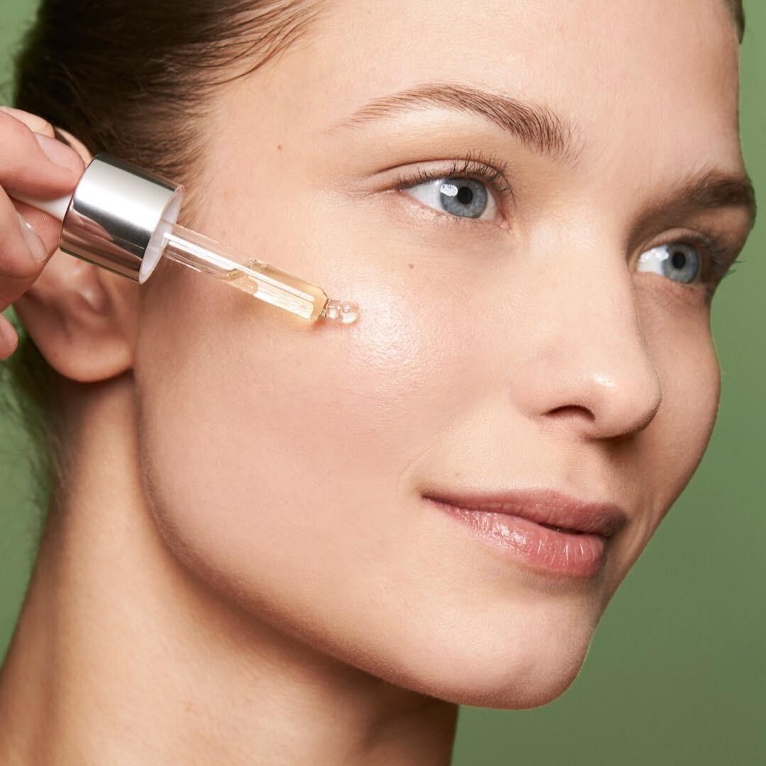 Не теряй лица: 10 масел, которые спасут кожу летом