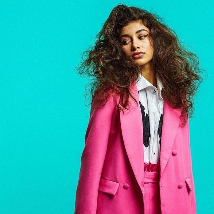 Что делать, если волосы сухие и безжизненные: 5 простых шагов к решению проблемы