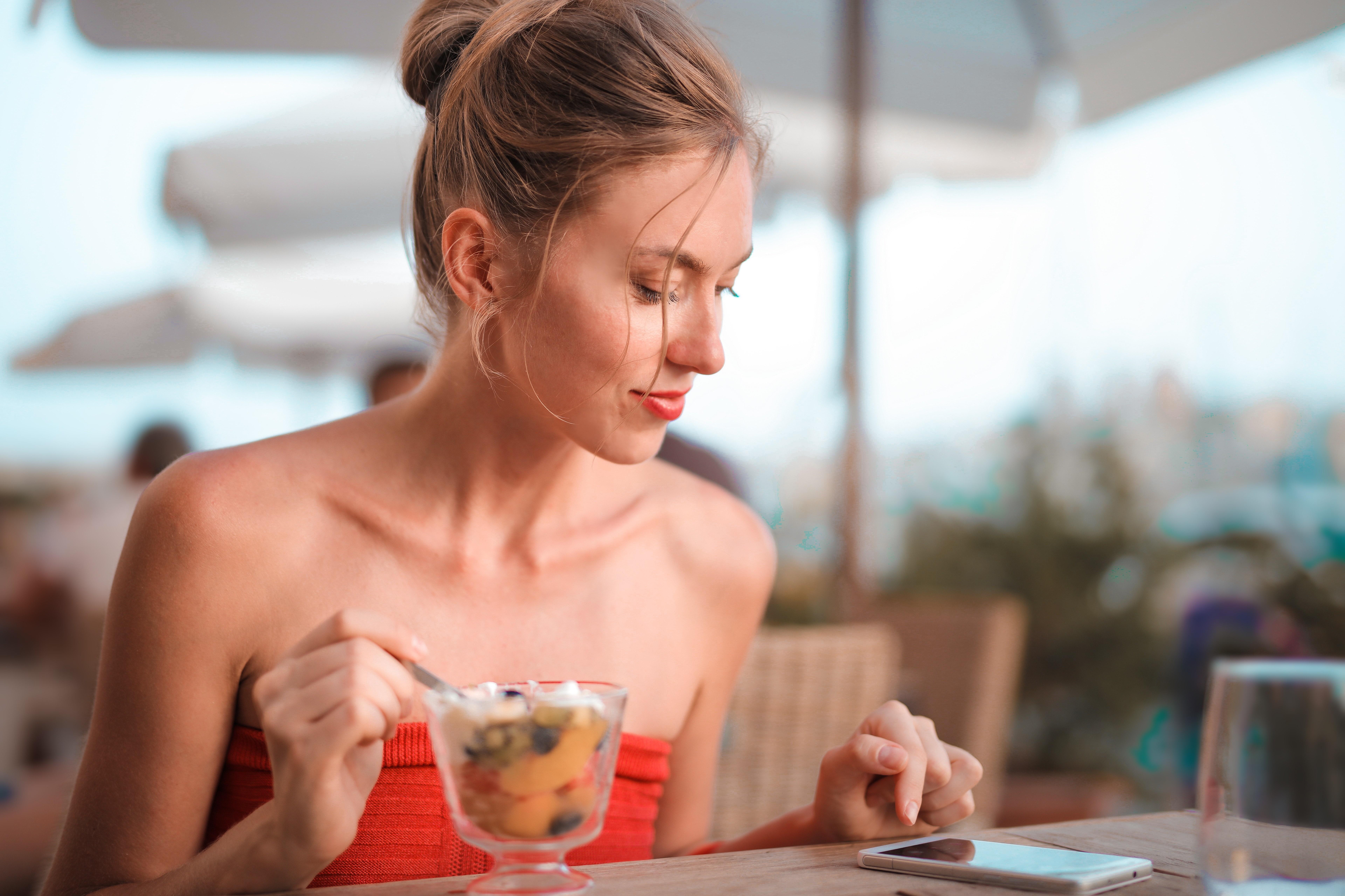 10 вещей, которые можно сделать прямо сейчас, вместо того, чтобы написывать ему в соцсетях