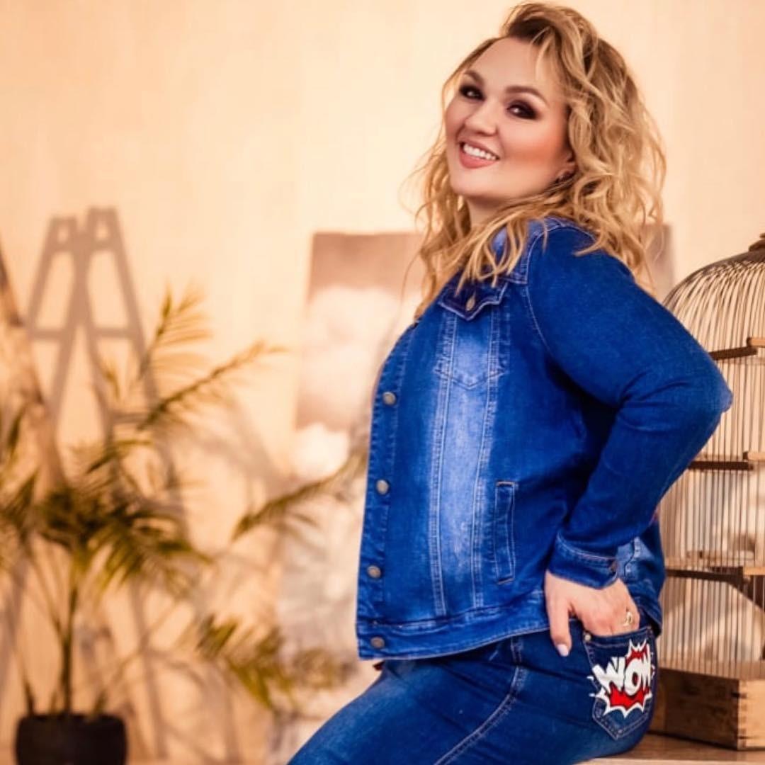 Скинувшая 30 килограммов звезда Comedy Woman Надежда Ангарская сфотографировалась в латексном костюме