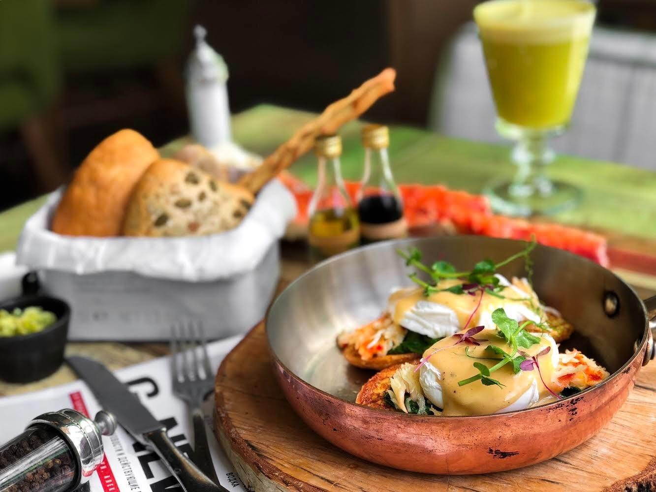 12 классных мест, где вкусно завтракать этим летом