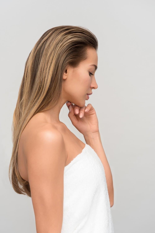 Как отбелить пигментные пятна на лице: справишься за два месяца