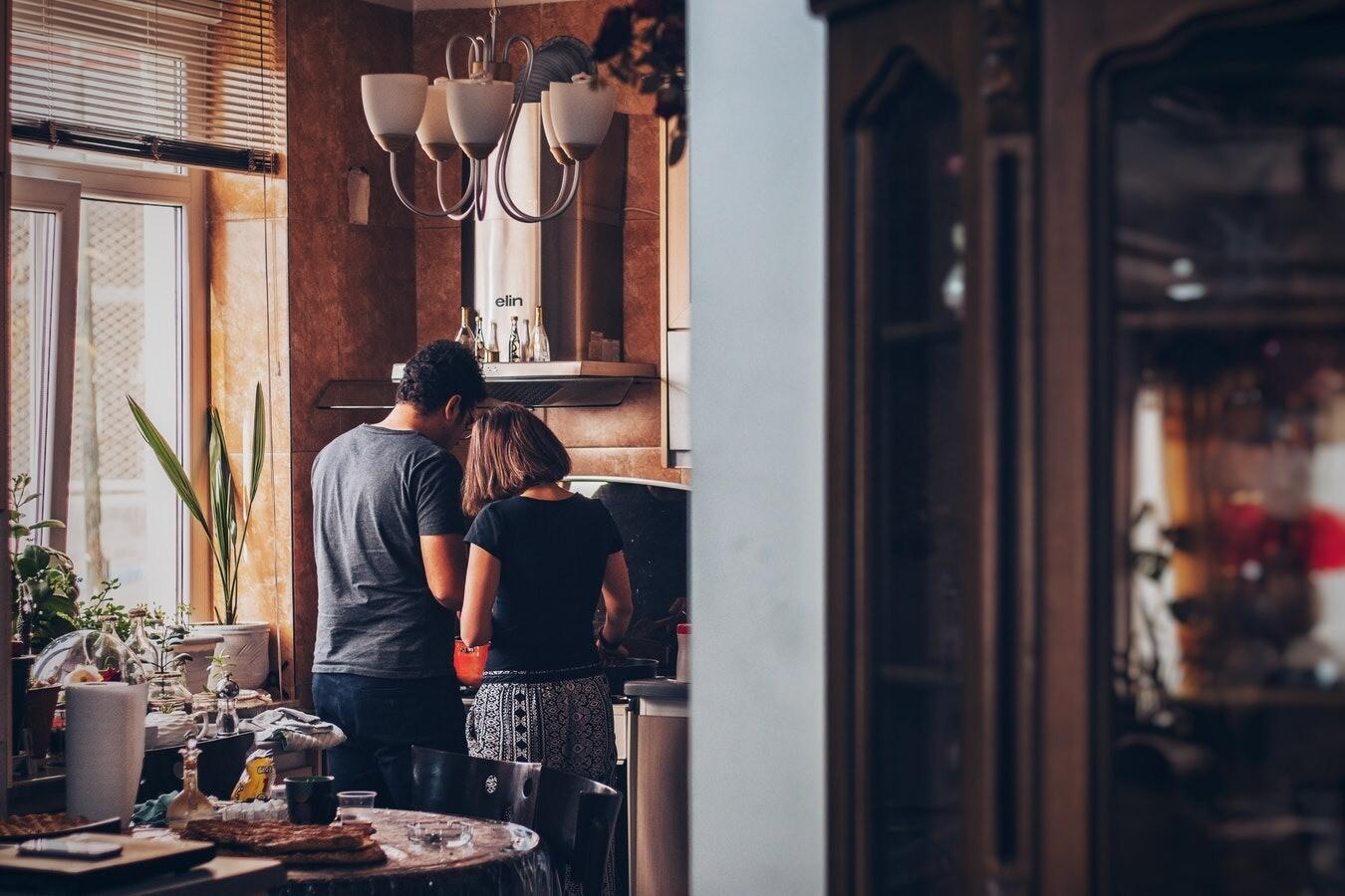 9 причин, по которым он не помогает тебе по дому
