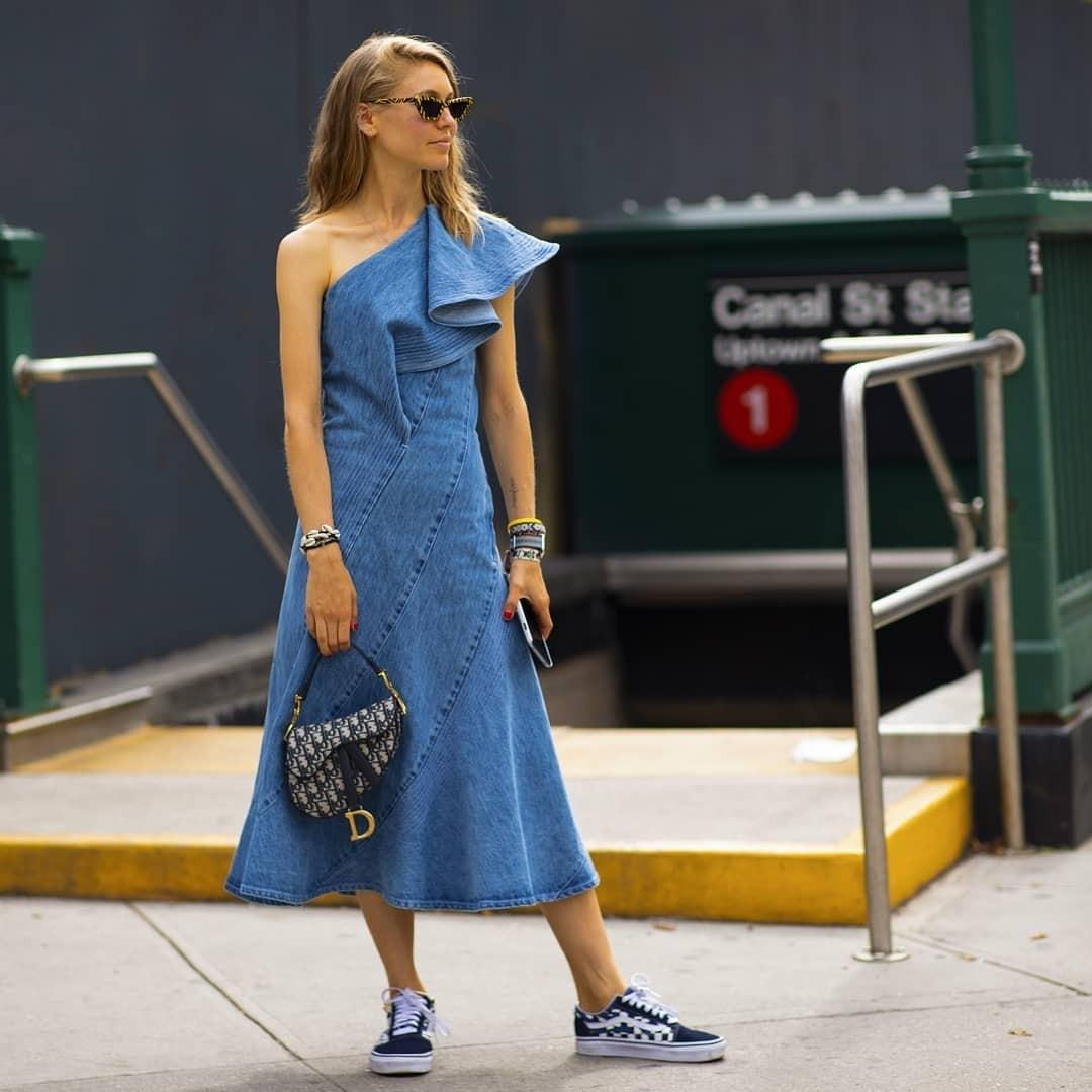 Джинсовое платье — самая подхо&...