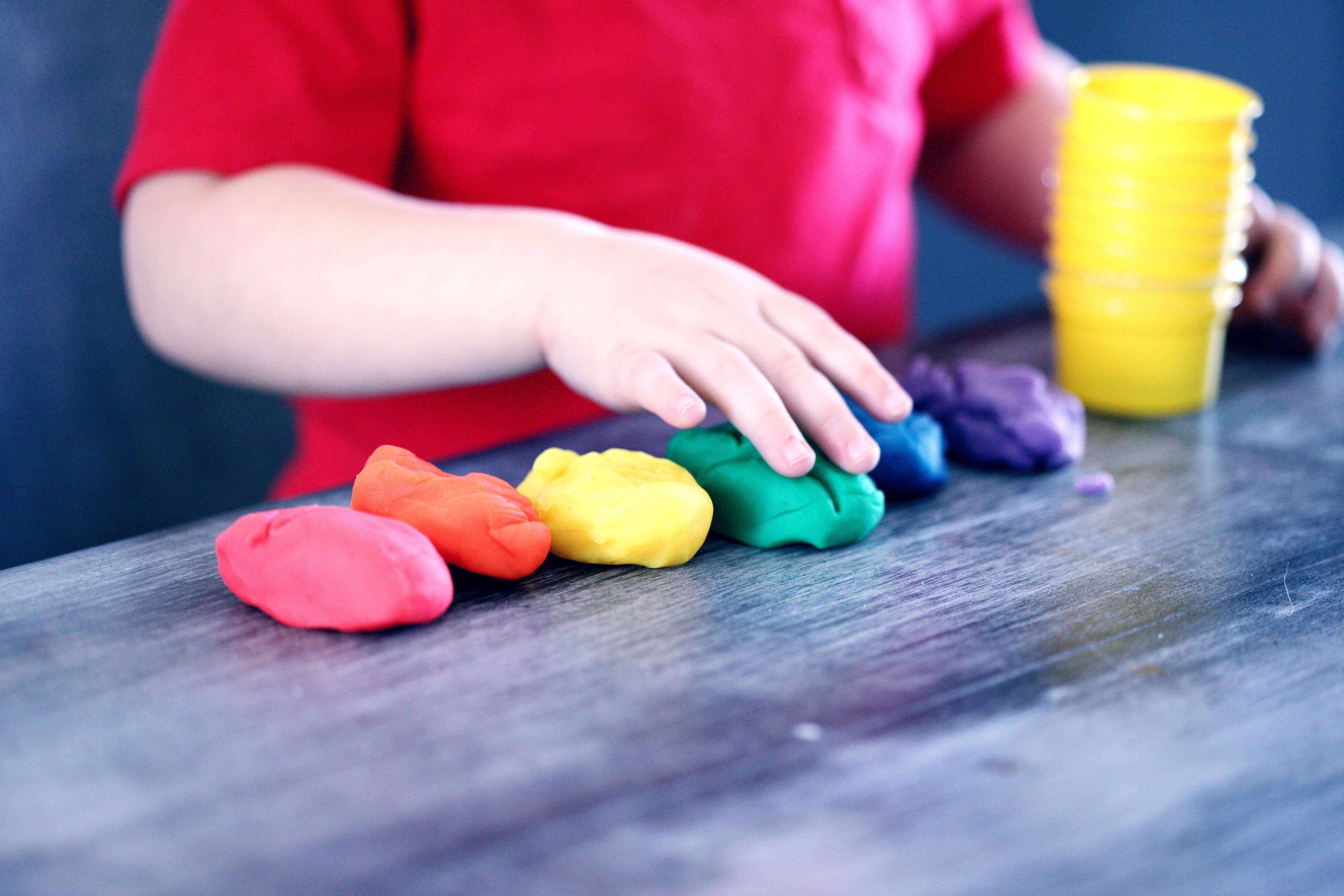 Чек-лист: что должен уметь ребенок в 1 год (сверяйся)