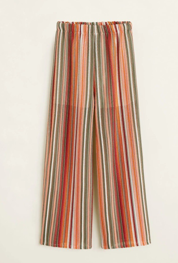 В комплект к вязаному топу можн...