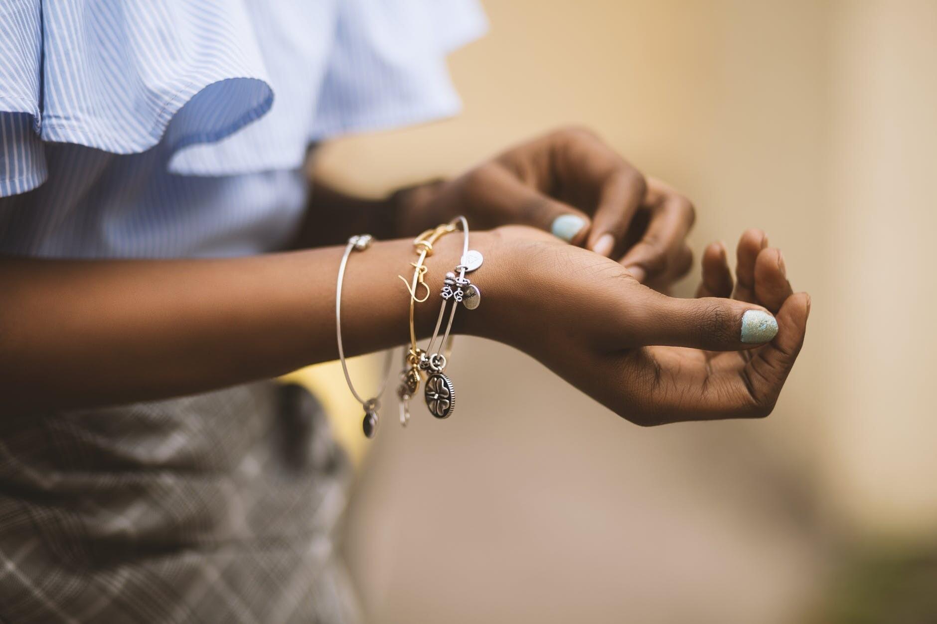 Испортят любой маникюр: чем лечить заусенцы на пальцах рук