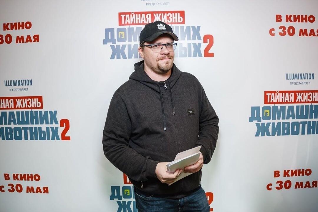 «Решил стать Хайзенбергом»: Гарик Харламов побрился налысо ради подписчиков