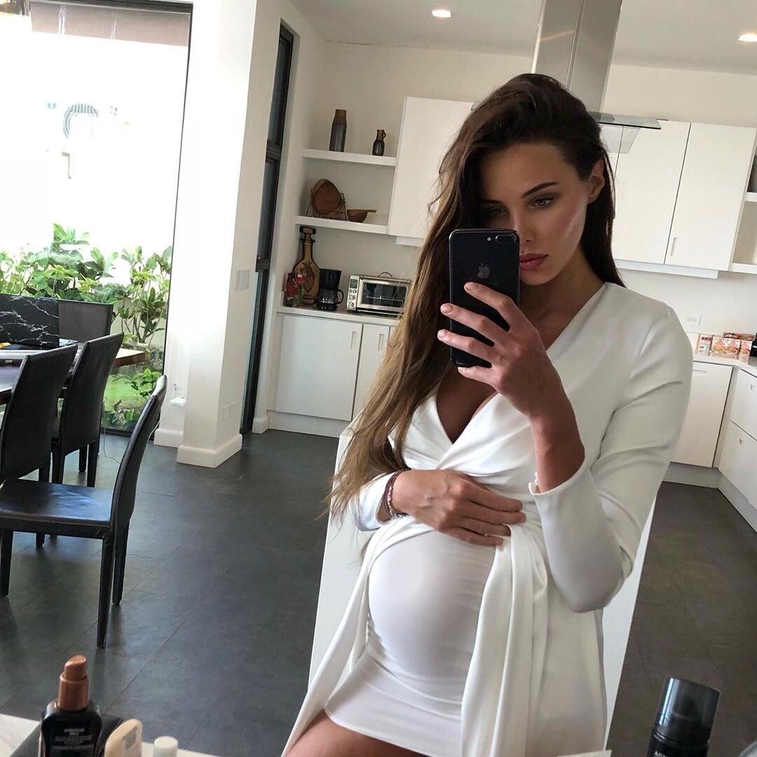 Беременная Анастасия Решетова отдохнула с бывшем мужем Анны Седоковой (видео)