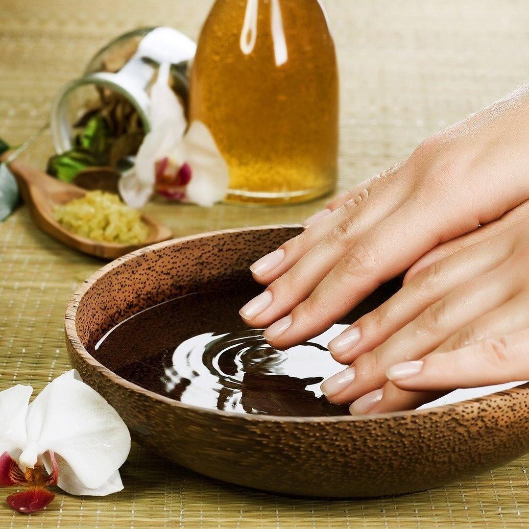 Чтобы быстрее росли: 10 классных рецептов укрепляющих ванночек для ногтей