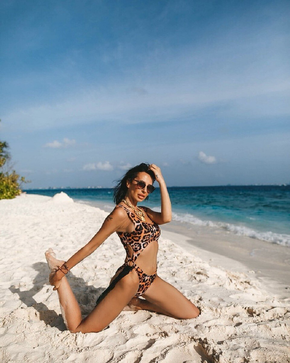 Бывшая жена Бориса Грачевского разделась для фотосессии на пляже