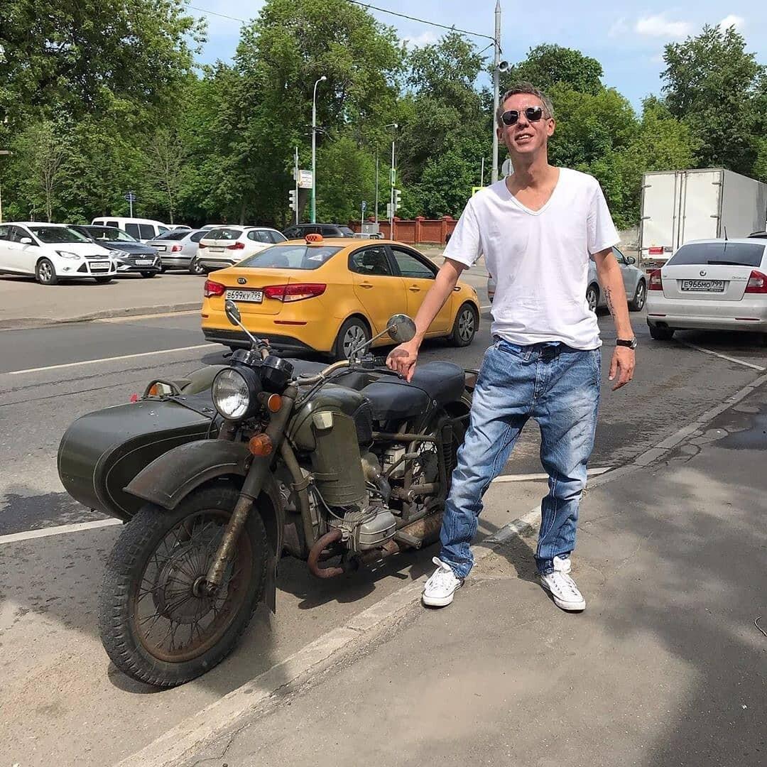 В Сети появилось новое видео с актером Алексеем Паниным
