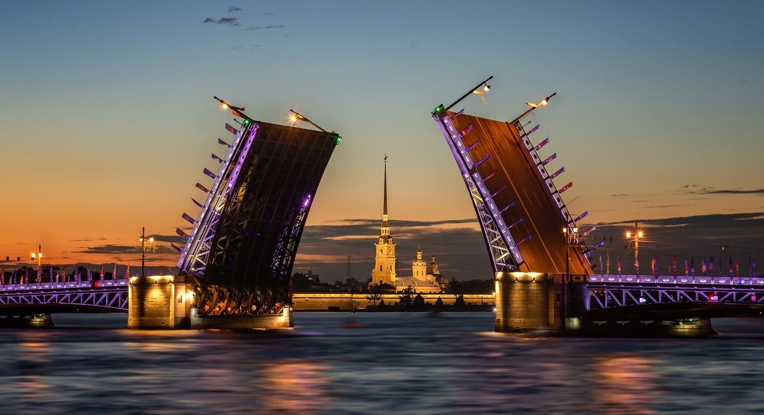 Где узнать самое интересное о Петербурге