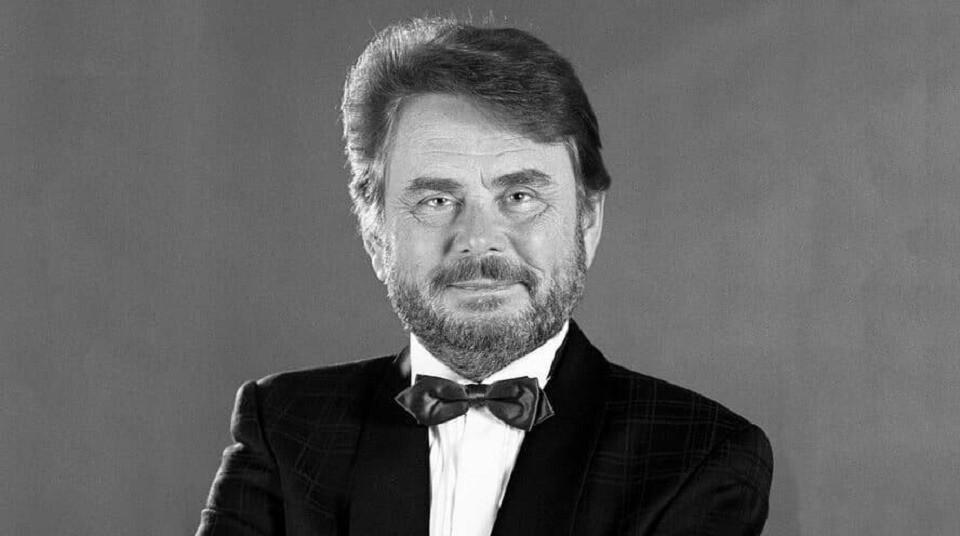 Умер автор песни «Снег кружится»