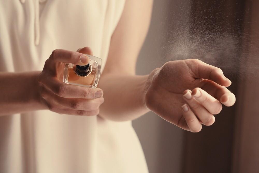 Шлейф элегантности и ретро-шика: пудровые ароматы духов для женщин (ты точно найдешь свой)