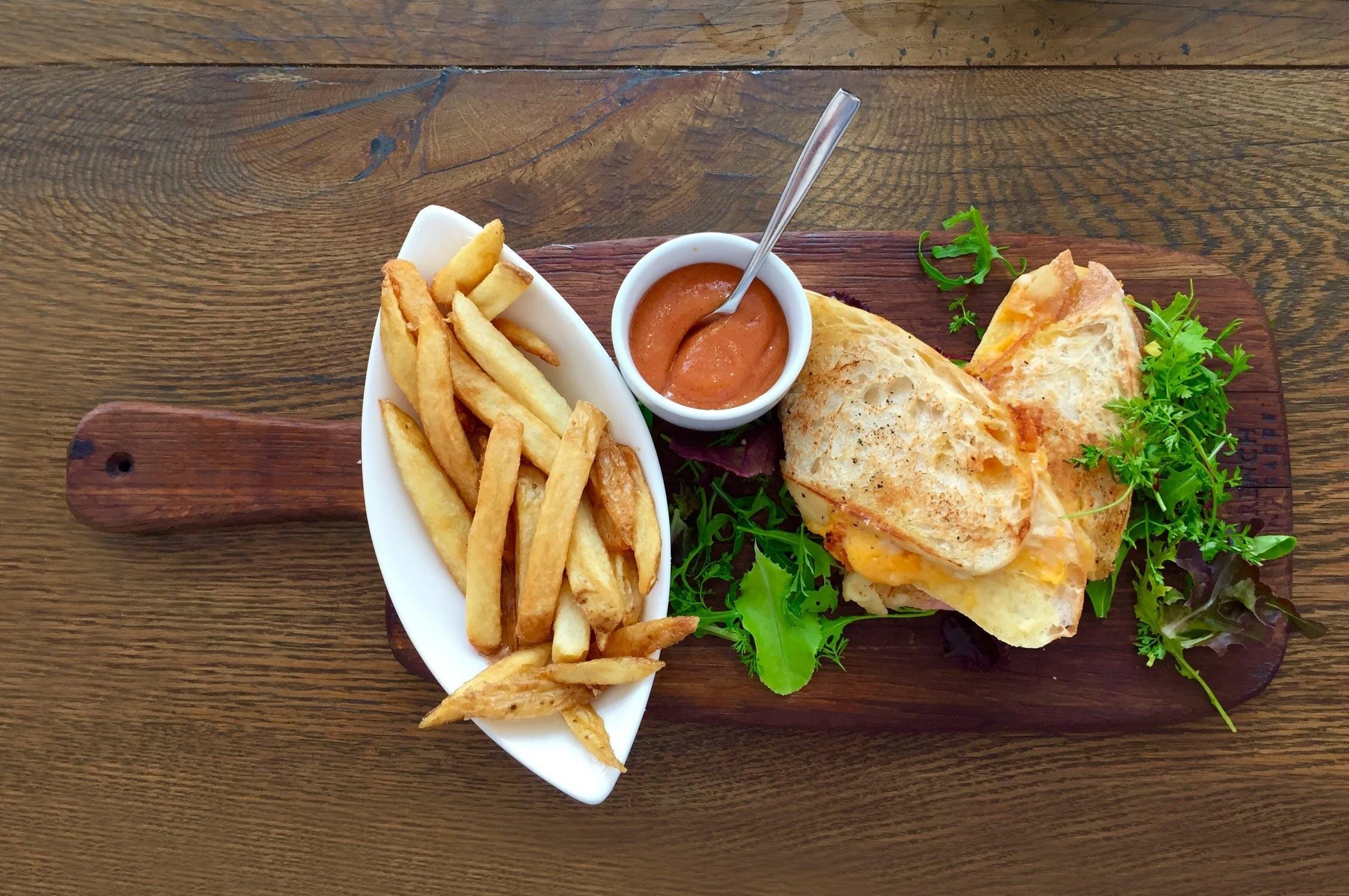 9 продуктов, которые можно есть после ужина без вреда для фигуры