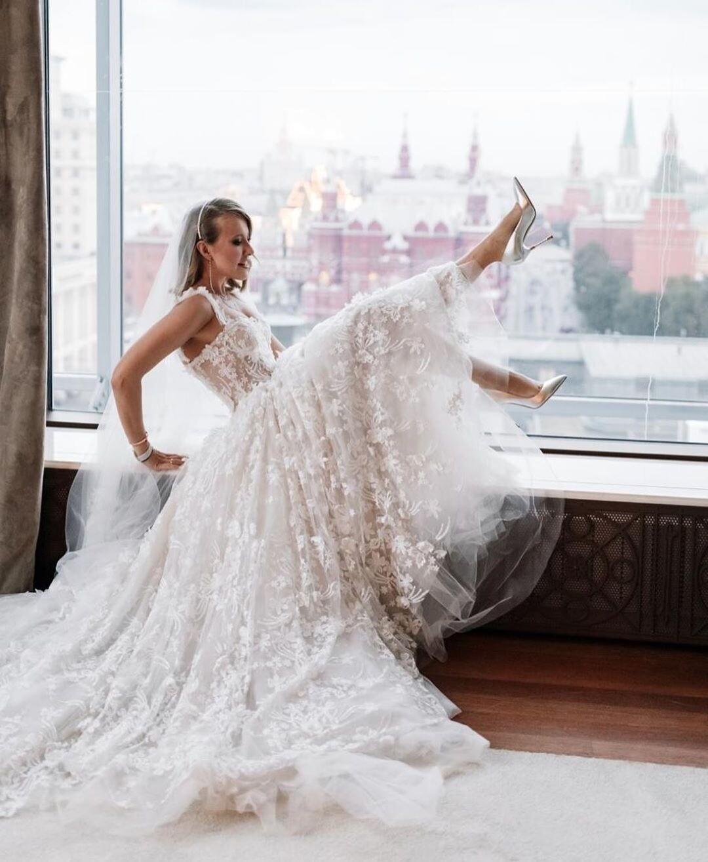 Ксения Собчак показала свадебные подарки (видео)