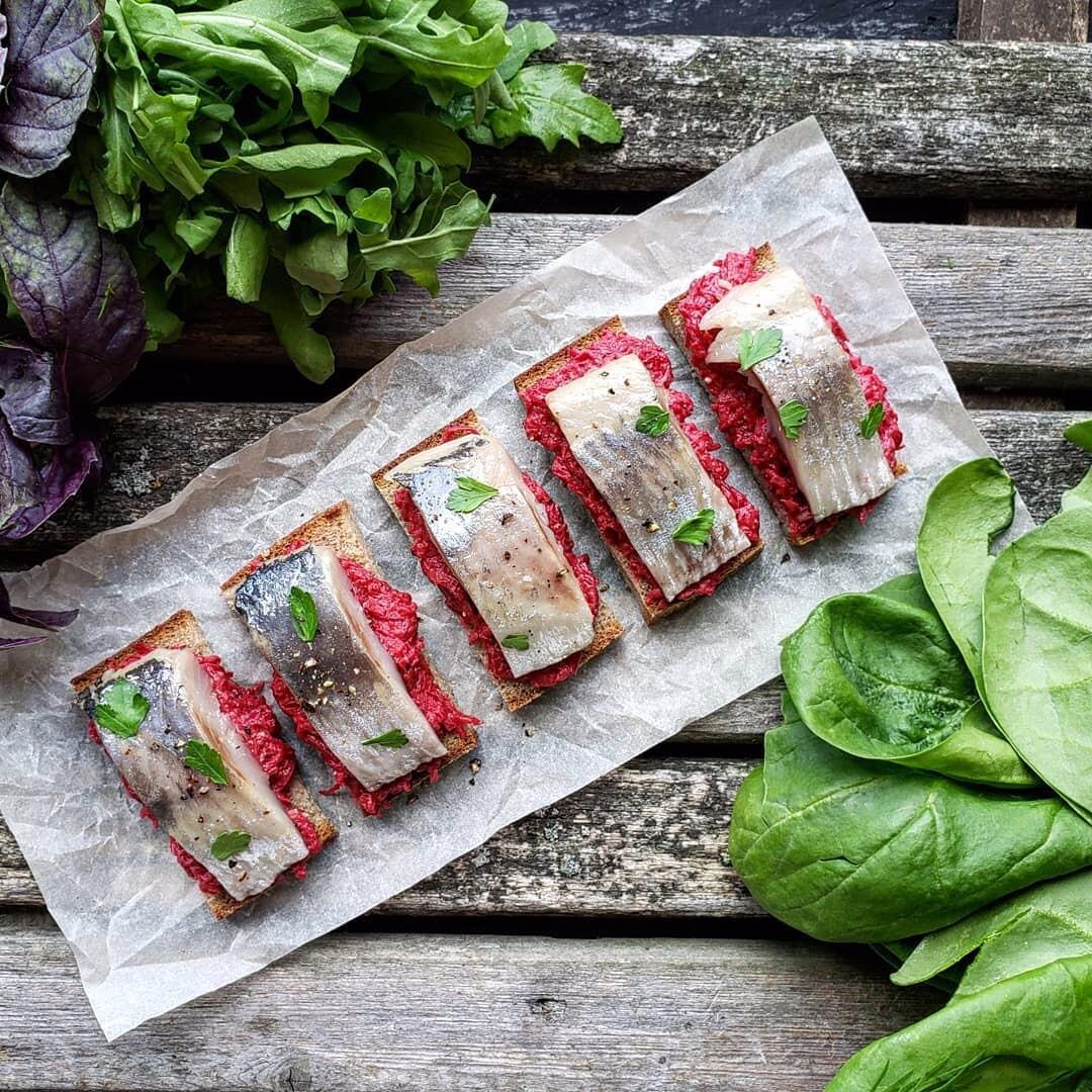 Красивое оформление салатов и закусок (50 фото)