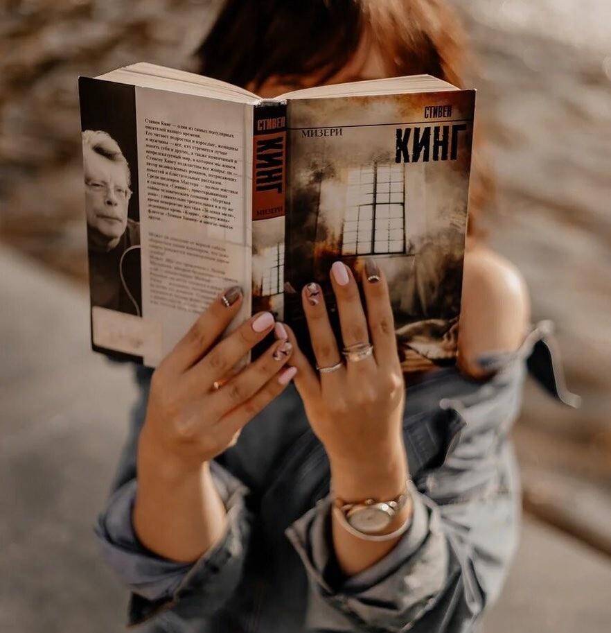 Топ-10 романов от «короля ужасов»: список лучших книг Стивена Кинга