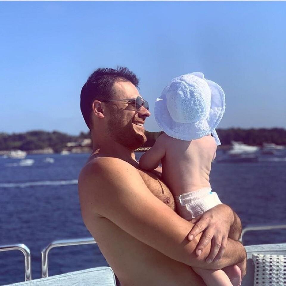 Эмин Агаларов опубликовал милое видео с 9-месячной дочерью