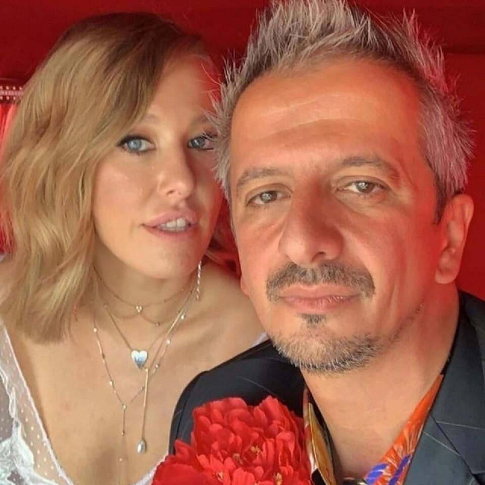 Стало известно, сколько зарабатывают Ксения Собчак и Константин Богомолов (кто в доме хозяин?)