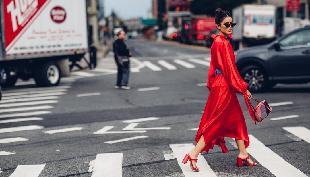 Последние теплые дни: выбираем платье на бархатный сезон