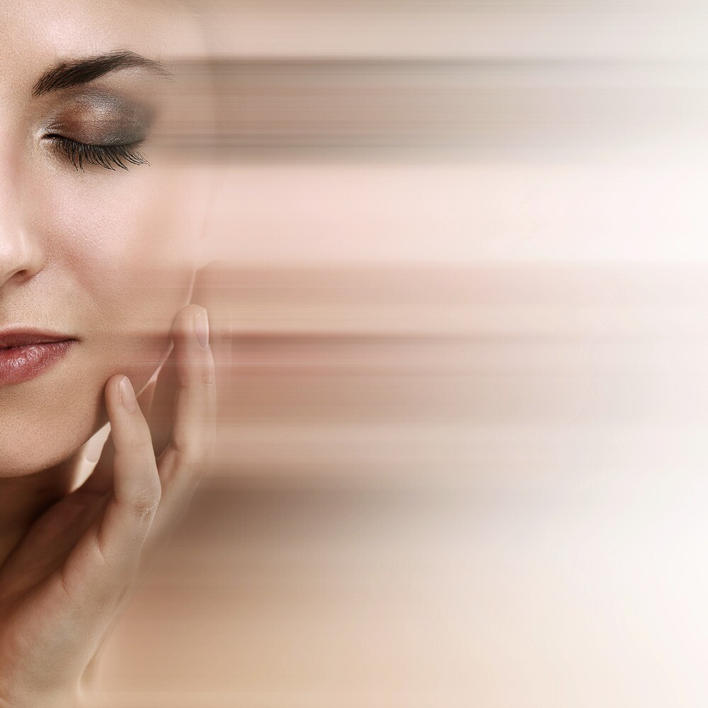 Правильный уход, массаж, тейпы и профилактика: как уменьшить носогубные складки в домашних условиях