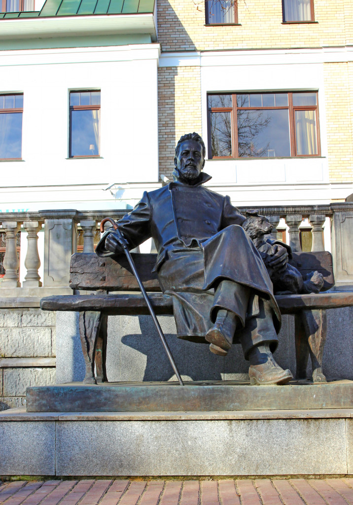 Памятник А. П. Чехову в Звенигороде. Фото: Kingan77/Fotodom.ru