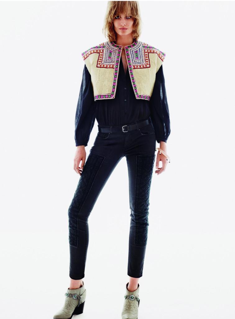 H&M. Жилет-фигаро в этническом стиле выигрышно смотрится в сочетании с черным «мужским» нарядом