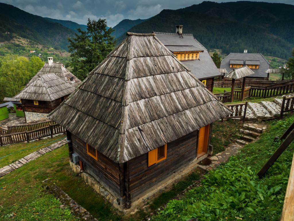 Этническая деревня Эмира Кустурицы Дрвенград. Фото: Legion-Media