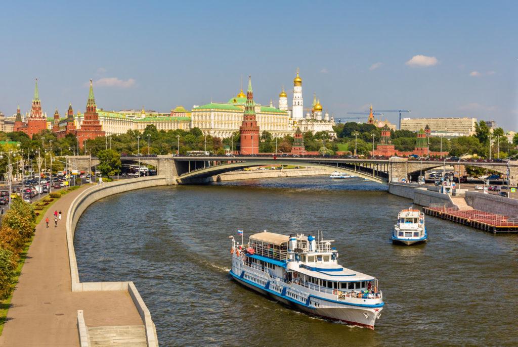 Большой каменный мост— один из самых красивых на Москве-реке. Фото: Leonid Andronov/Fotolia