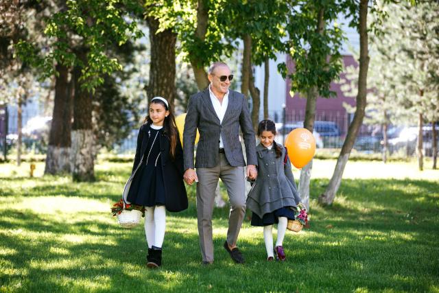 Михаил Турецкий с дочками