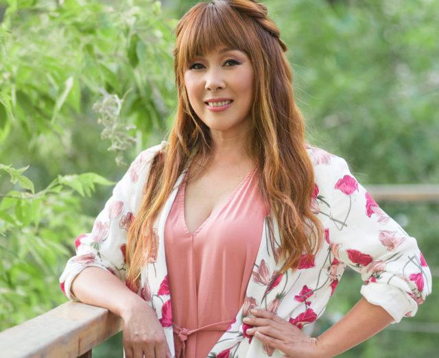 Похудевшая на 10 килограммов Анита Цой показала фигуру в купальнике