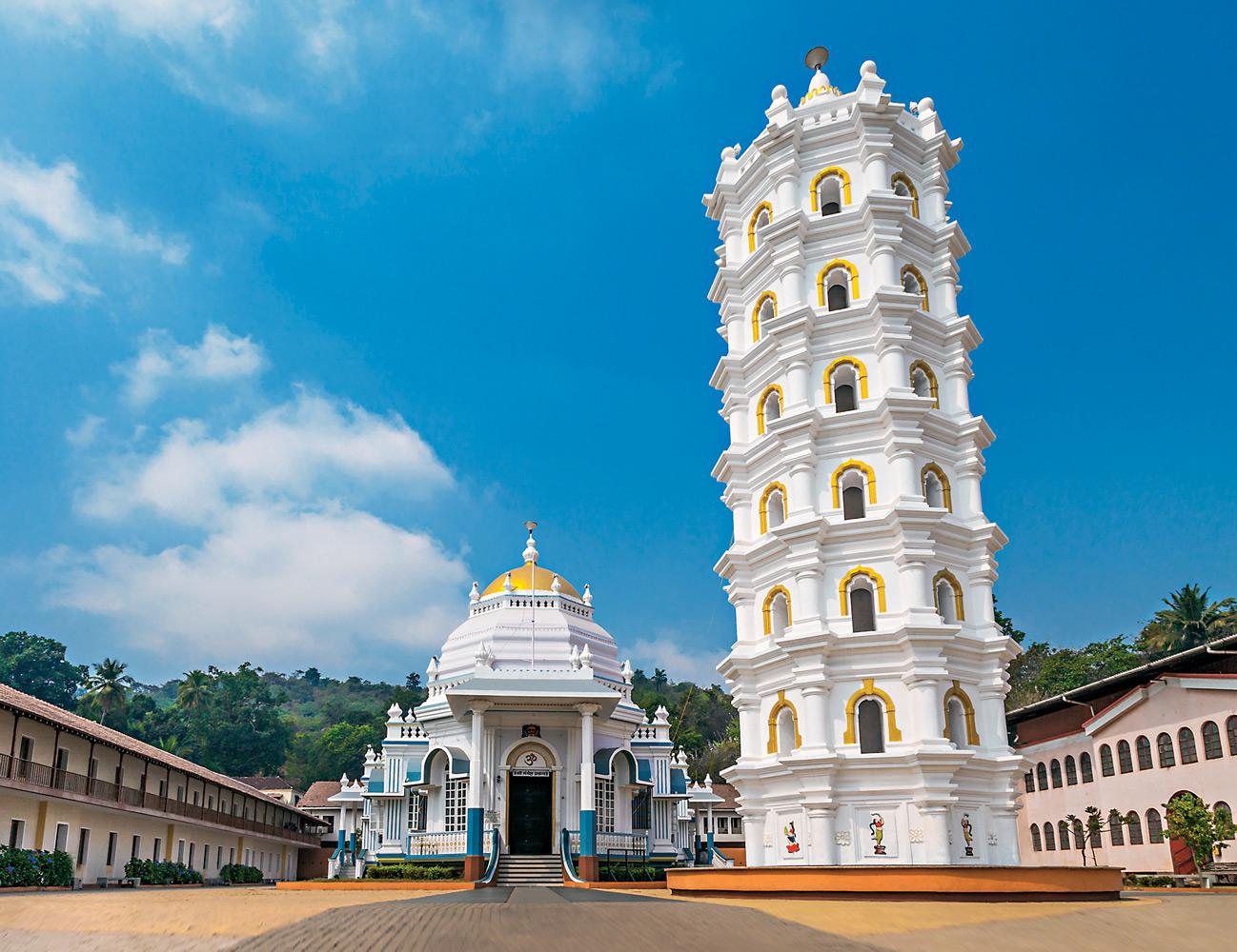 Храм Шри Мангеш — главная индуистская святыня штата