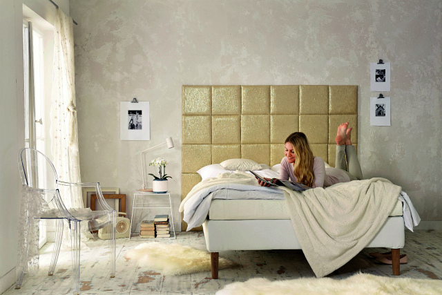 Кровать с золотым изголовьем, шаг 4