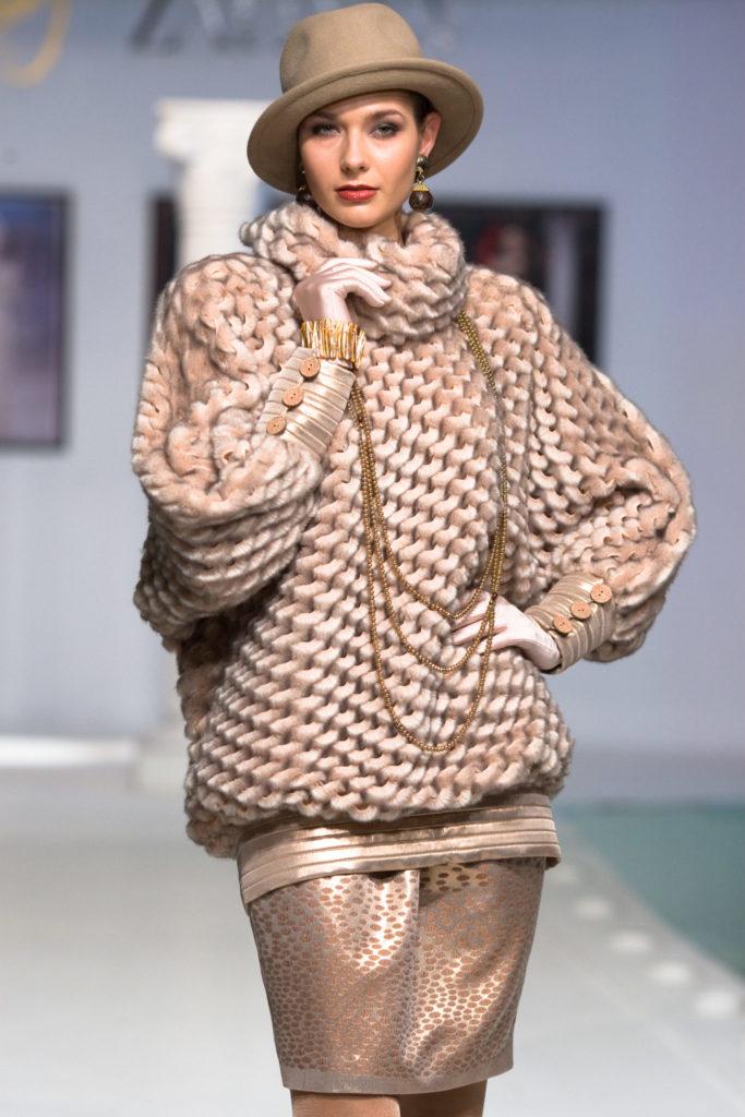 Как правильно носить изделия из меха: советы Вячеслава Зайцева