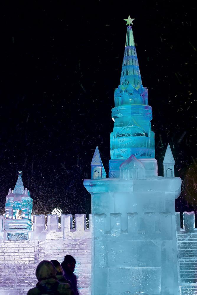 5 лучших фестивалей ледовых и снежных скульптур в России