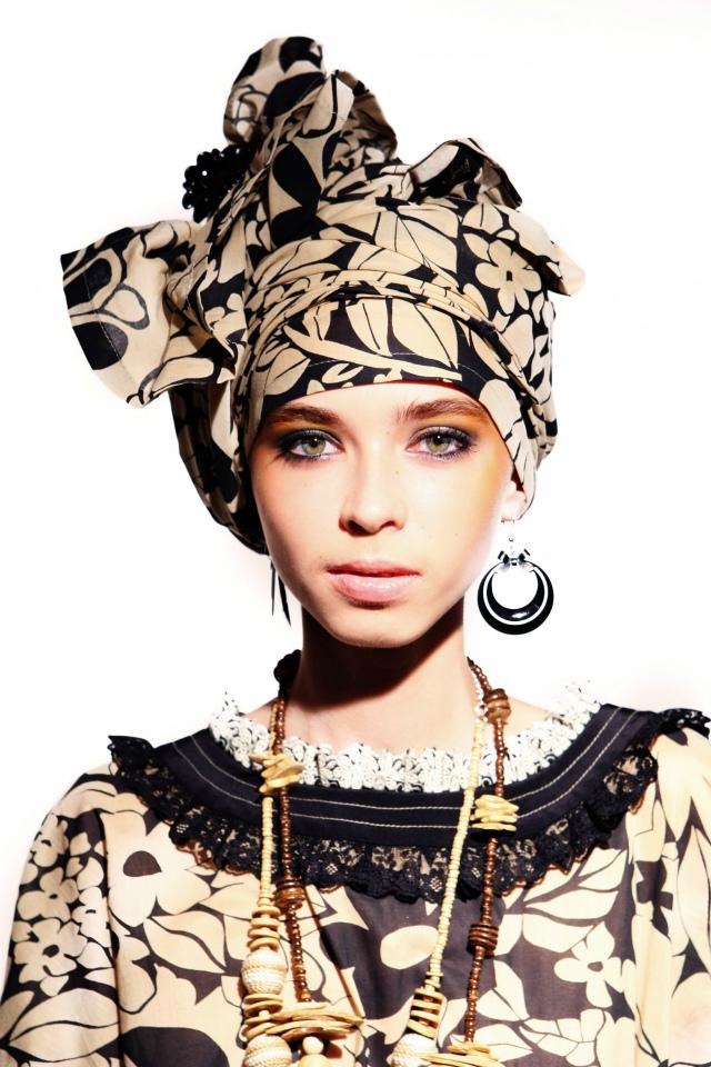 Что модно шарф или платок