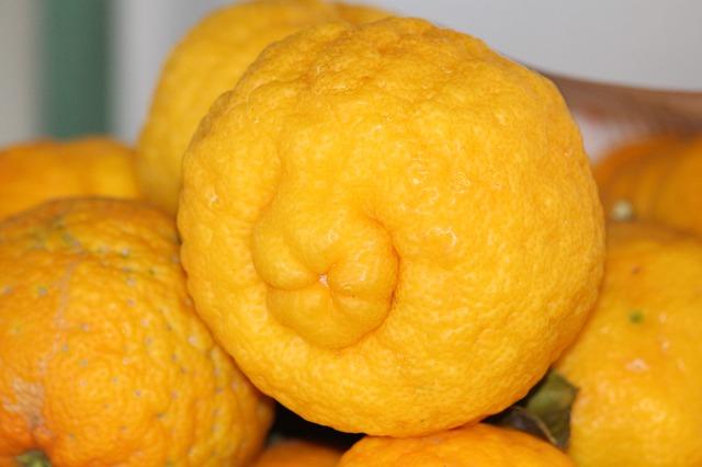 Чем полезен лимон в домашнем хозяйстве: 8 лайфхаков