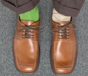 Определи секс-показатель своего избранника по носкам: 6 типов мужчин