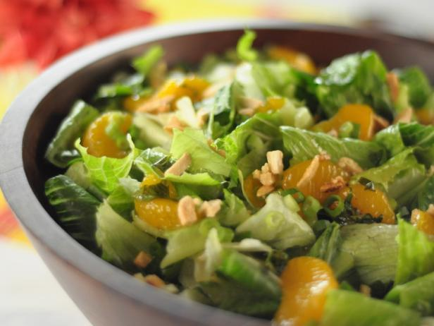Постное меню: 5 нескучных салатов от повара Триши Йервуд