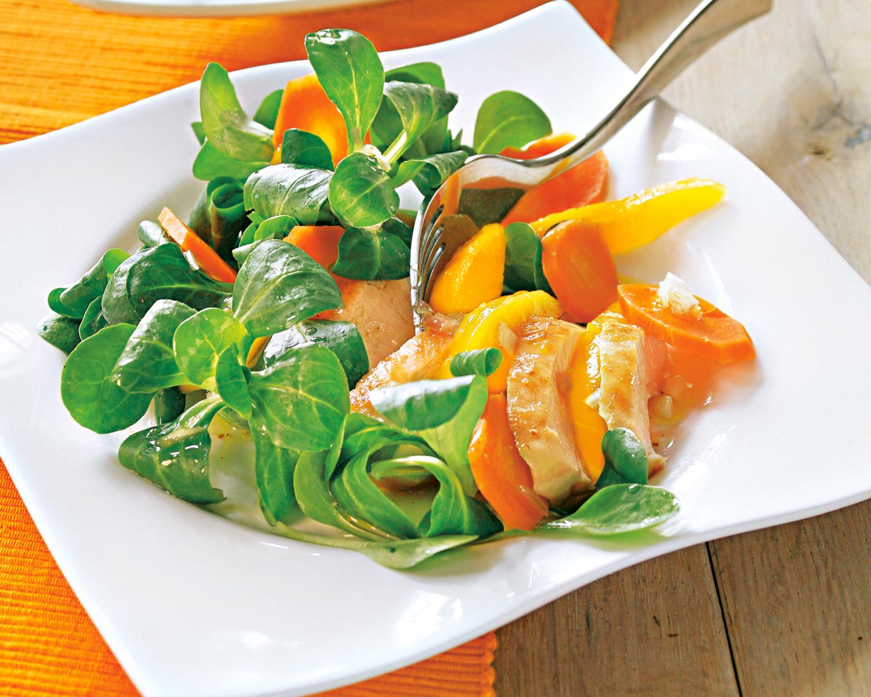 Парад салатов: 4 рецепта снеожиданными сочетаниями