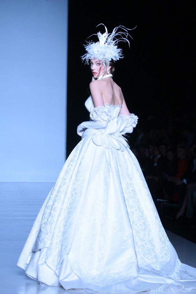 Выбираем свадебный наряд: советы Вячеслава Зайцева