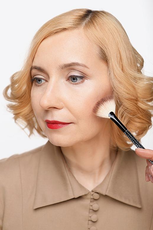 Из дневного ввечерний: как преобразить макияж за5 минут