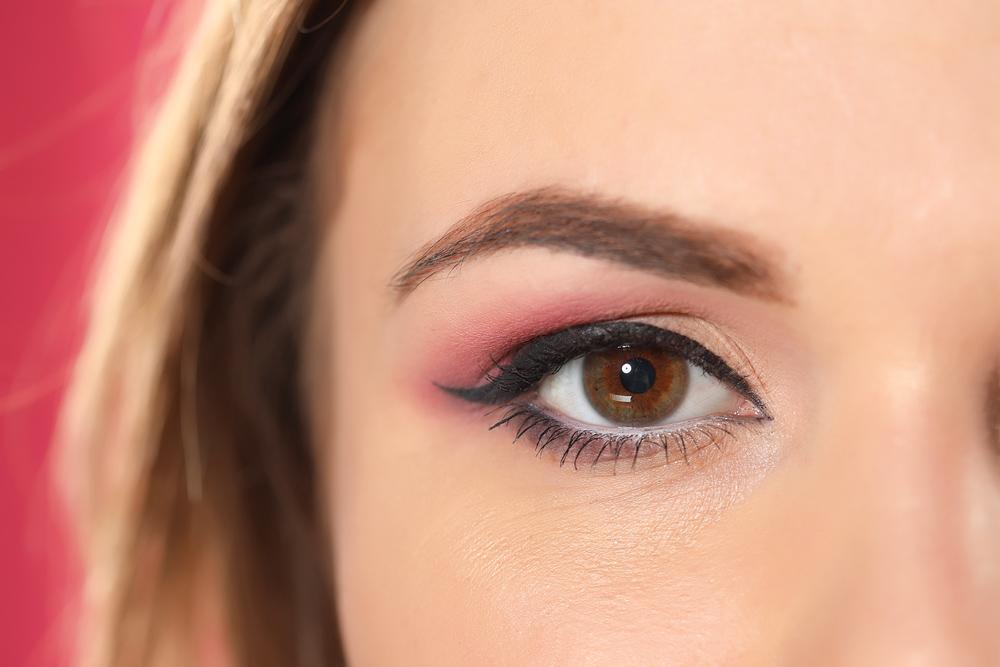 Как сделать макияж врозовых оттенках: мастер-класс