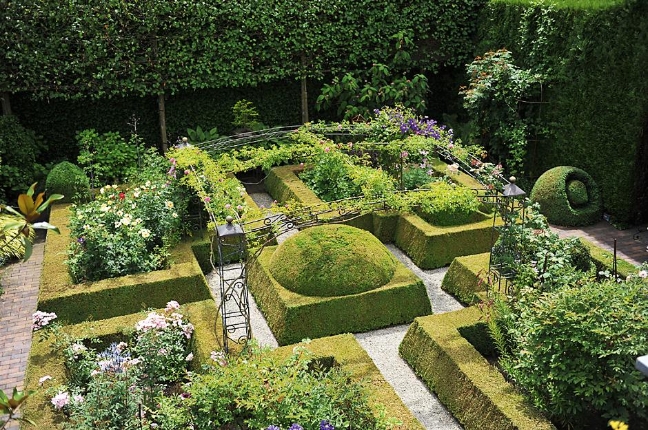 20 самых красивых садов Европы (фото)