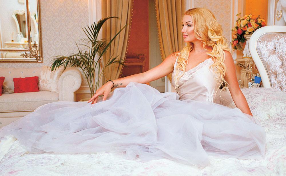 Анастасия Волочкова: «Я пережила много зла, страданий и предательства»