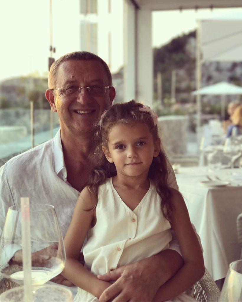 Певица Слава поделилась редким снимком мужа ипятилетней дочери