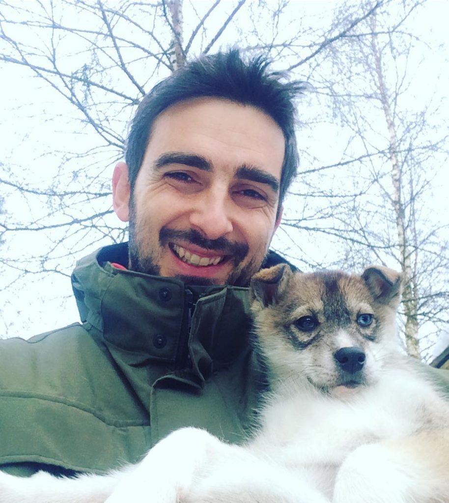 Певица Сати Казанова обручилась с итальянским фотографом