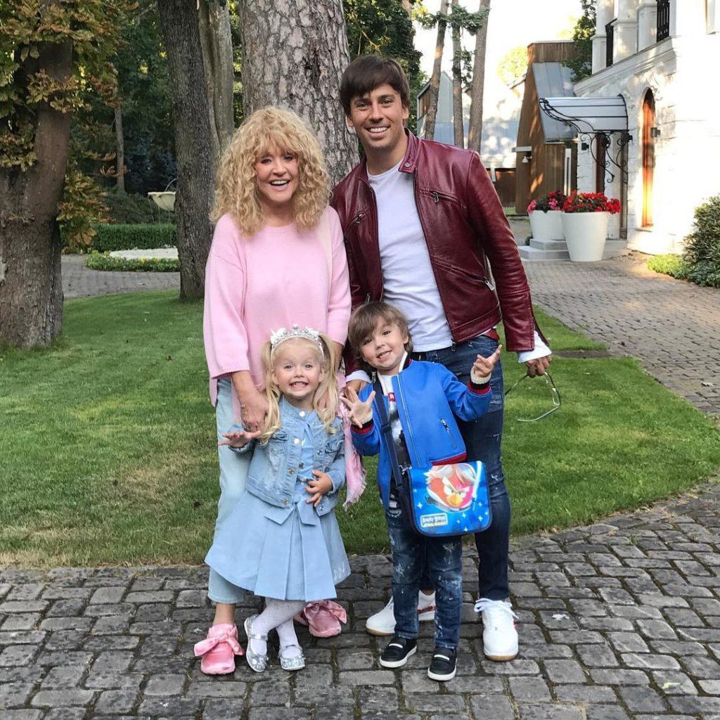 Максим Галкин показал веселую семейную фотографию